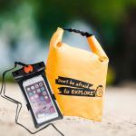 ชุด Set ซองกันน้ำมือถือเล็ก (4.7 นิ้ว) สีดำ + กระเป๋ากันน้ำ Penguin Bag ขนาด 5 ลิตร สีส้ม