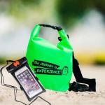 ชุด Set ซองกันน้ำมือถือเล็ก (4.7 นิ้ว) สีดำ + กระเป๋ากันน้ำ Penguin Bag ขนาด 5 ลิตร สีเขียว