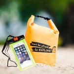 ชุด Set ซองกันน้ำมือถือเล็ก (4.7 นิ้ว) สีเขียว + กระเป๋ากันน้ำ Penguin Bag ขนาด 5 ลิตร สีส้ม