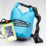 ชุด Set ซองกันน้ำมือถือเล็ก (4.7 นิ้ว) สีเขียว + กระเป๋ากันน้ำ Penguin Bag ขนาด 5 ลิตร สีฟ้า