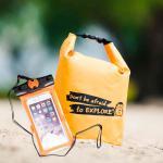 ชุด Set ซองกันน้ำมือถือเล็ก (4.7 นิ้ว) สีส้ม + กระเป๋ากันน้ำ Penguin Bag ขนาด 5 ลิตร สีส้ม