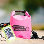 ชุด Set ซองกันน้ำมือถือเล็ก (4.7 นิ้ว) สีเขียว + กระเป๋ากันน้ำ Penguin Bag ขนาด 5 ลิตร สีชมพู