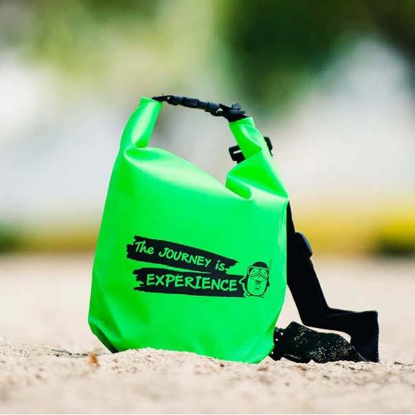 กระเป๋ากันน้ำ ถุงกันน้ำ Penguin Bag ขนาด 5 ลิตร สีเขียว