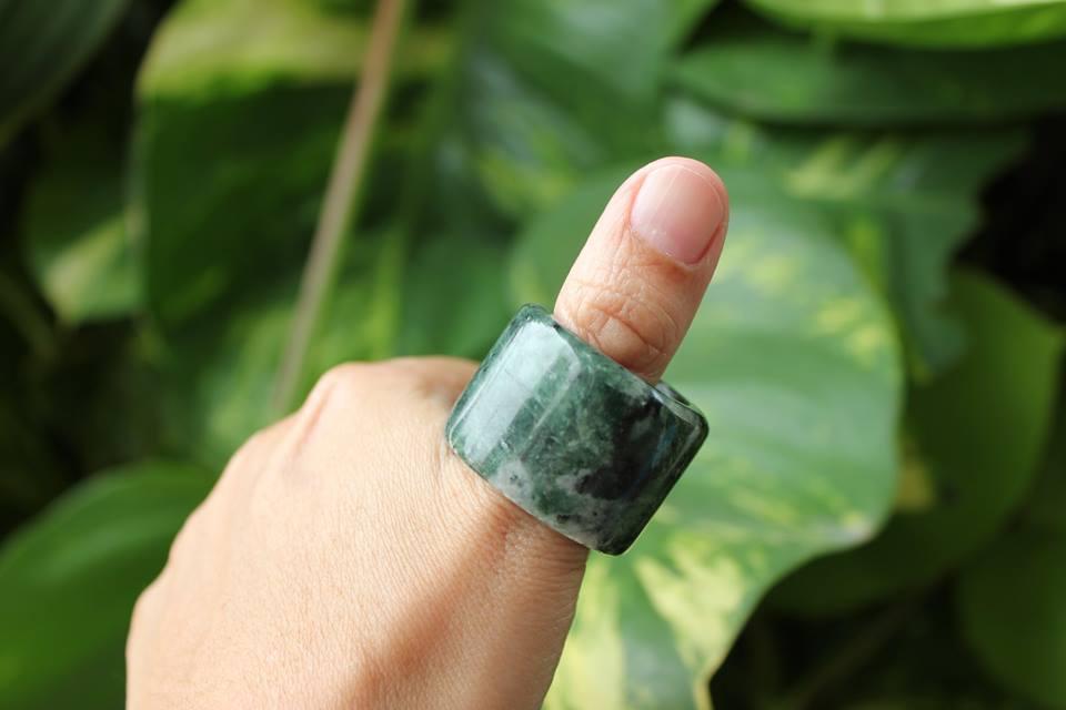 แหวนหยก Lantian ลายหินอ่อน
