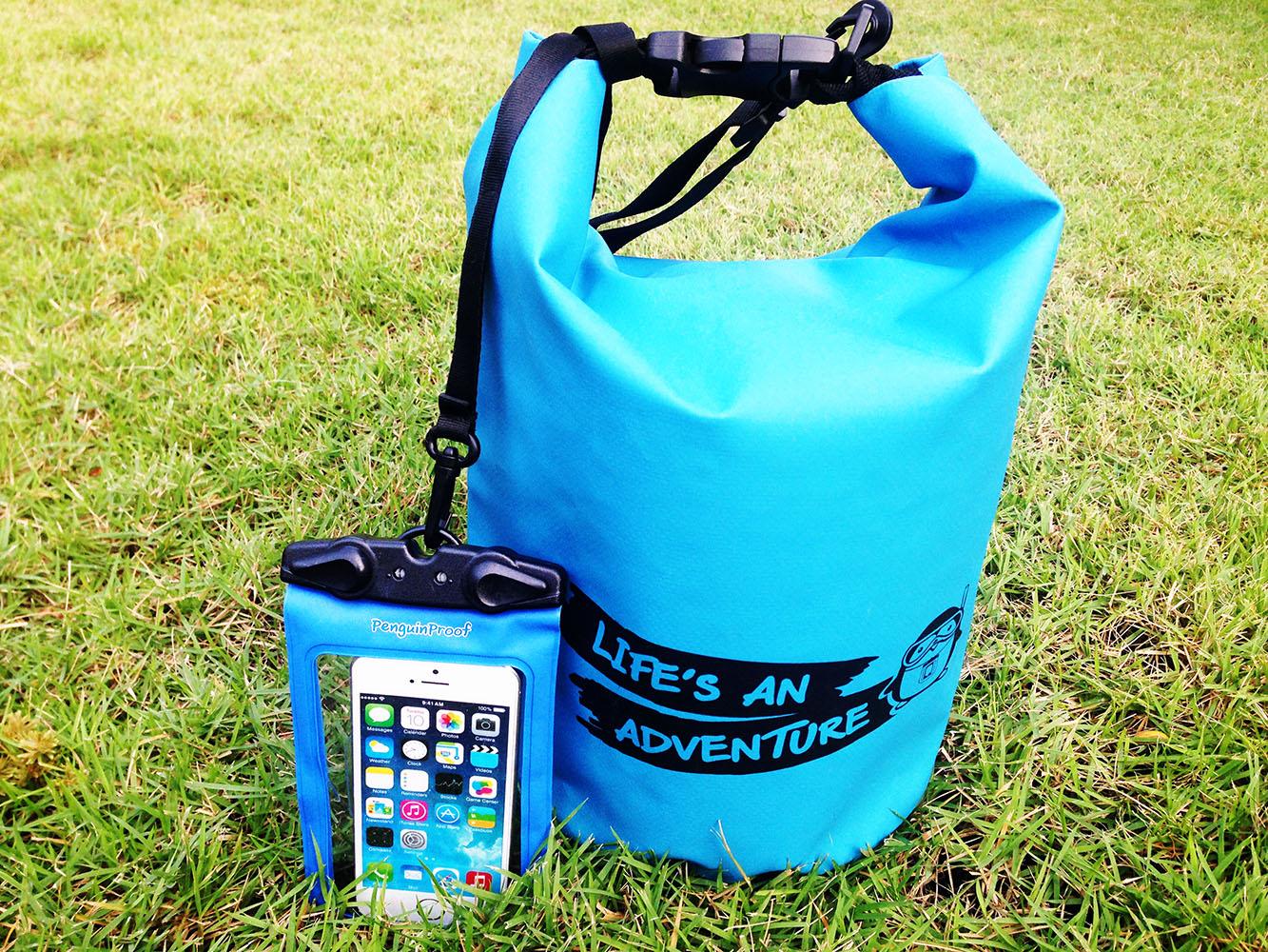 ชุด Set ซองกันน้ำมือถือเล็ก (4.5 นิ้ว) สีฟ้า + กระเป๋ากันน้ำ Penguin Bag ขนาด 5 ลิตร