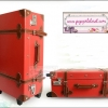 ยกเลิกการผลิต!!! กระเป๋าเดินทางวินเทจสไตล์เกาหลี ดีไซน์ออริจินัล 2 ล้อ คันชักด้านนอก สีแดงคาดน้ำตาล RED/BROWN หนัง PU มี 3 ไซส์ 20, 22, 24 นิ้ว (Pre-order ราคาแต่ละรุ่นอยู่ด้านในนะคะ)