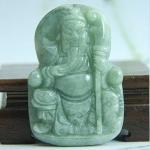 เทพเจ้ากวนอู ปางนั่งบนบัลลังก์ หยกพม่า