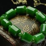 สร้อยข้อมือลูกปัดหินหยกnephrite สีเขียวจักรพรรดิ์ ขนาด 12 mm.x 20mm