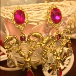ต่างหูแฟชั่นสไตล์บาร็อค European double key gem palace retro earrings Baroque wind cross earrings
