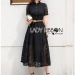 แม็กซี่เดรสผ้าลูกไม้สีดำสไตล์โมเดิร์น คอจีนกระดุมหน้า มาพร้อมเข็มขัด ฟรีไซส์ by Lady Ribbon
