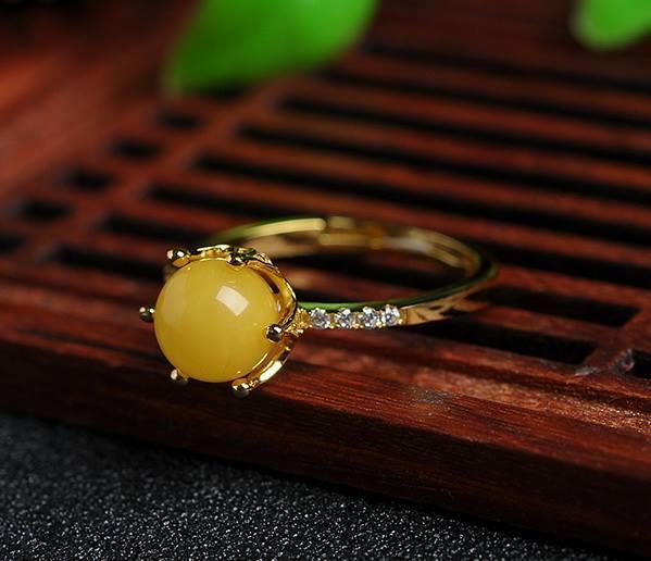 แหวนหัวอำพันธรรมชาติสีเหลือง