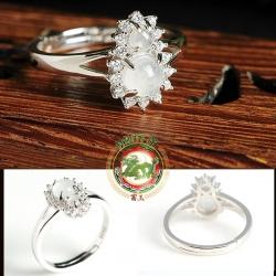 R0036แหวนหยกน้ำแข็งพม่า ดีไซน์เป็นรูปน้ำเต้าเก็บทรัพย์