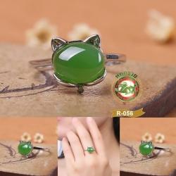 R0056แหวนหัวหยก nephrite สีเขียวมรกต