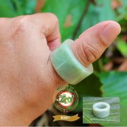 แหวนหยกพม่าคัดเกรด R0007