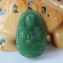 จี้หยกTanglin เนื้อใสเขียวอ่อนรูปพระโพธิสัตว์กวนอิมถือและประทับดอกบัว